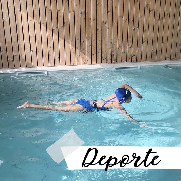 Mireia en la piscina: deporte